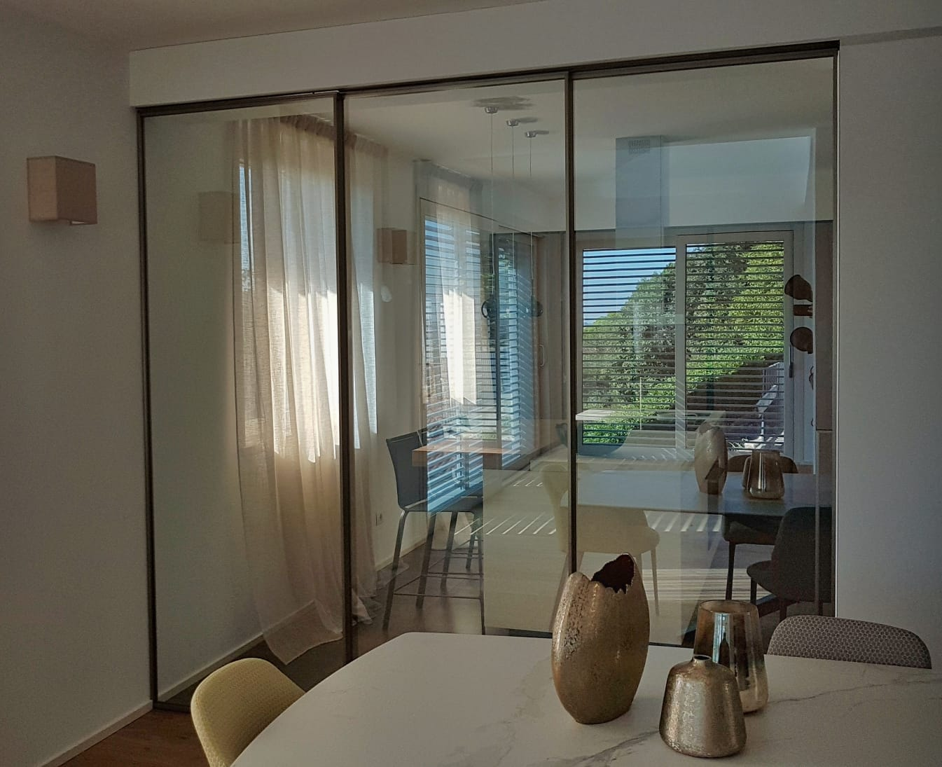Alzante scorrevole con frangisole e porte in vetro Henry Glass 4