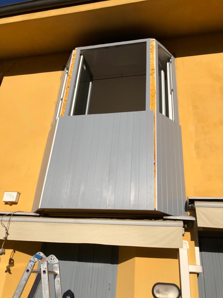 Rivestimento Bovindo e sostituzione finestre Lecco 4