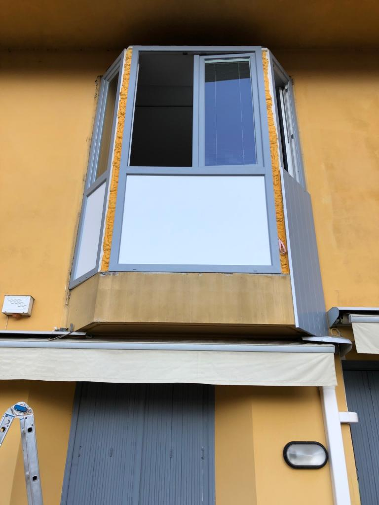 Rivestimento Bovindo e sostituzione finestre Lecco 5